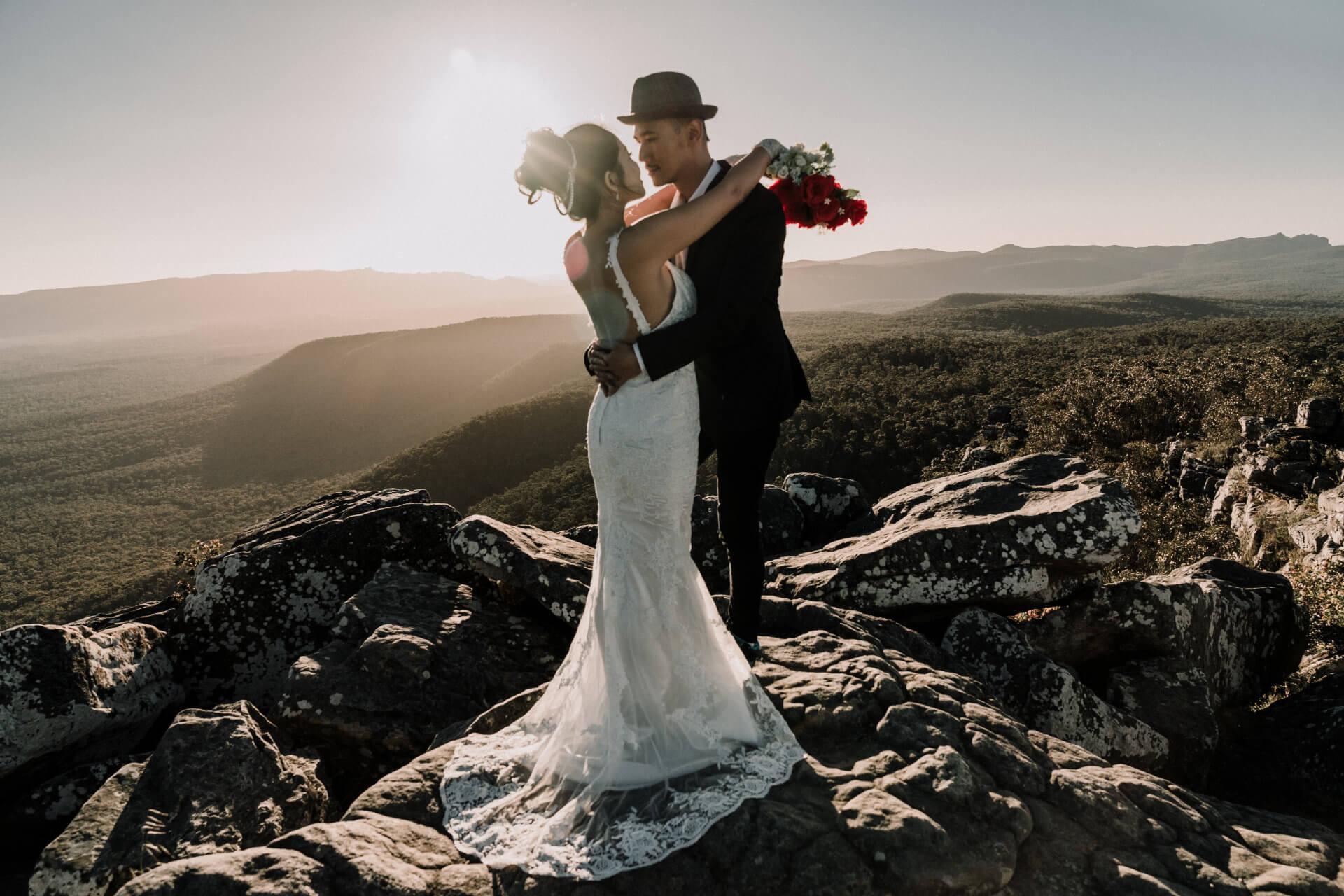 Elopment wedding photos idea on the mountain of Australia
