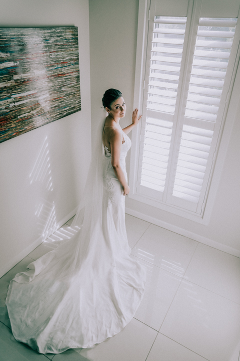 bridal photo of a beautiful bride at her Mornington Peninsula home
