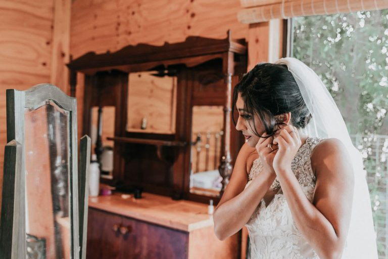 Rustic-wedding-bride-prep-6