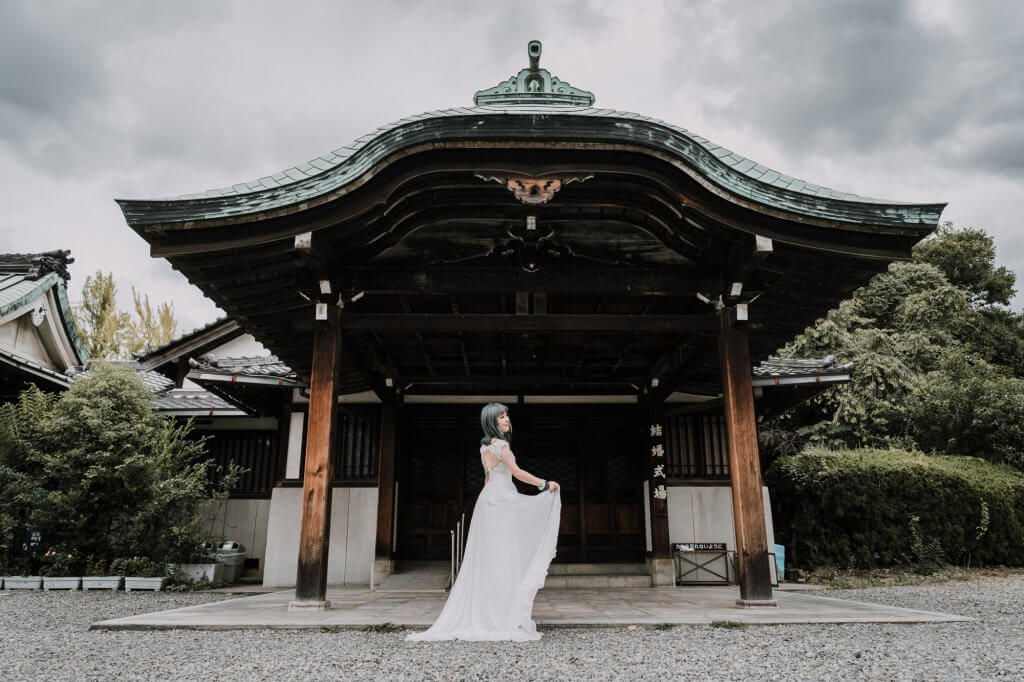 Expert wedding photographer Lowina Blackman from Black Avenue Productions in Japan for elopement photo shoot