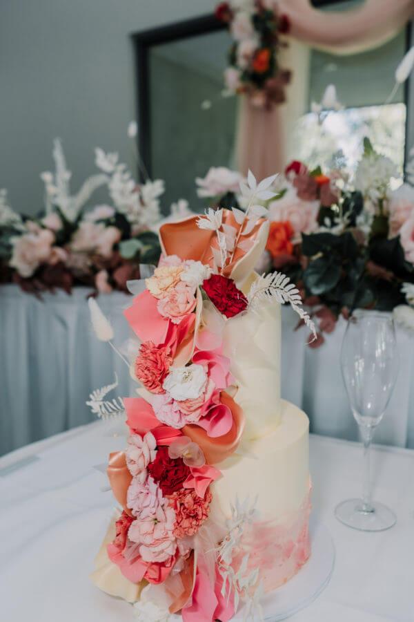 wedding cake by raymond tan