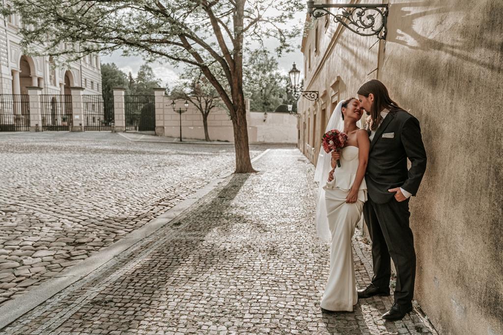 classic retro background perfect for wedding couple photo shoot