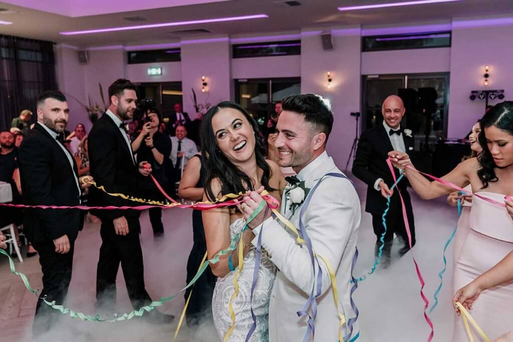 newly wed couple dance at Meadowbank Estate